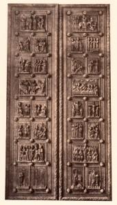 Holztüren der Pfarrkirche zu St. Maria im Kapitol. Zustand vor 1910.