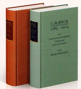 """Die Festschriften 2013: Im Vordergrund 861 Seiten, ca. 50 s/w Abbildungen; im Hintergrund """"250 Jahre rechtswissenschaftlicher Verlag C.H.Beck. 1763-2013"""" 591 Seiten, ca. 50 s/w Abbildungen; beide in Leinen zu je 38 €"""